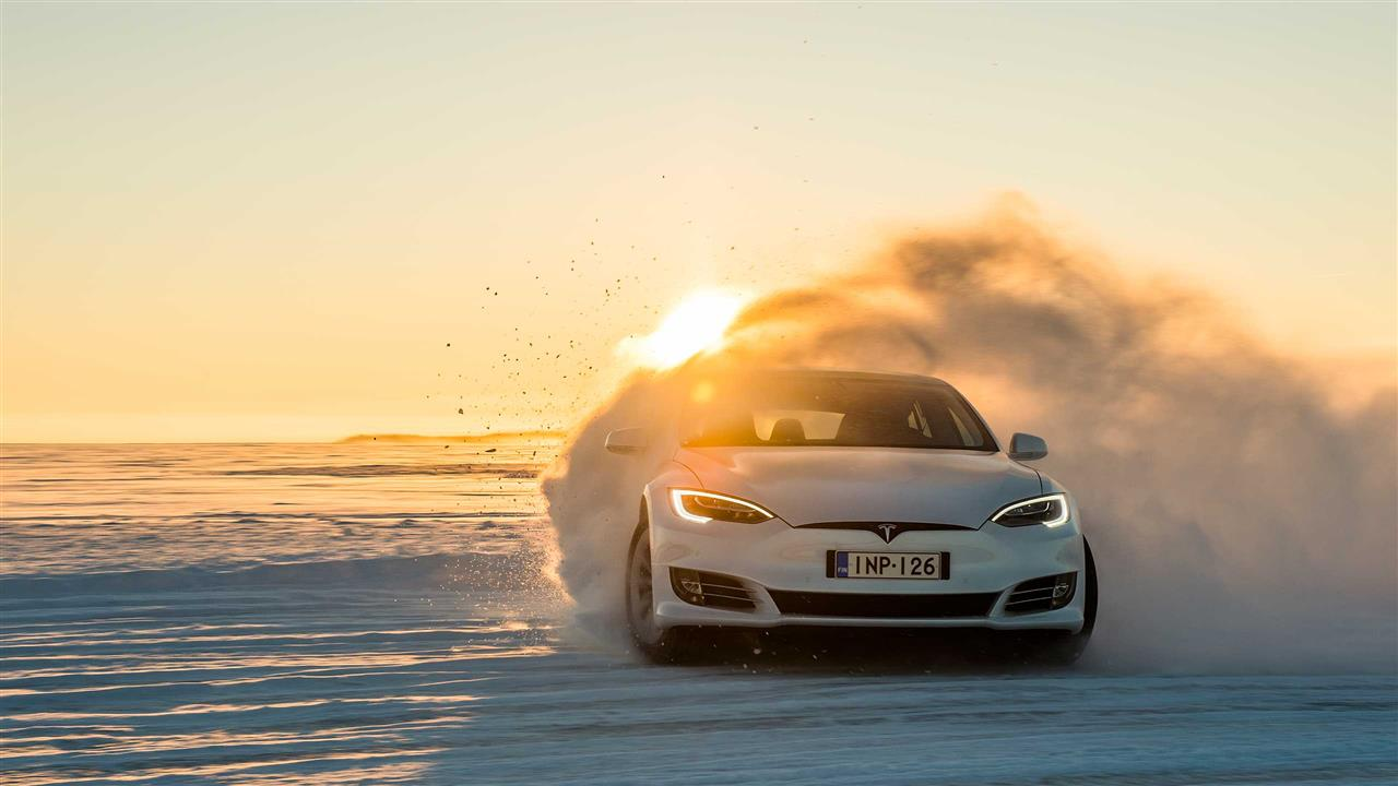 Ice driving Action in Finnland